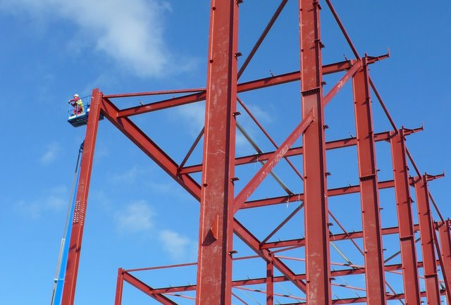 Erection of steel Frame Building, Yeovil... © Nigel Mykura cc-by-sa ...