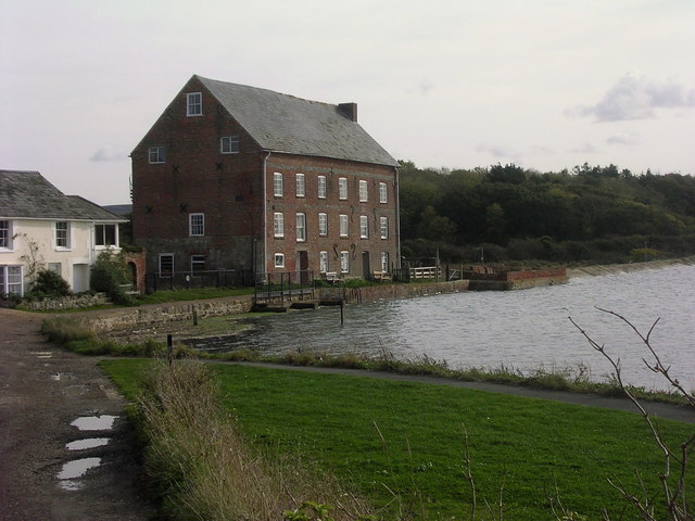 Tidal mill and River Yar