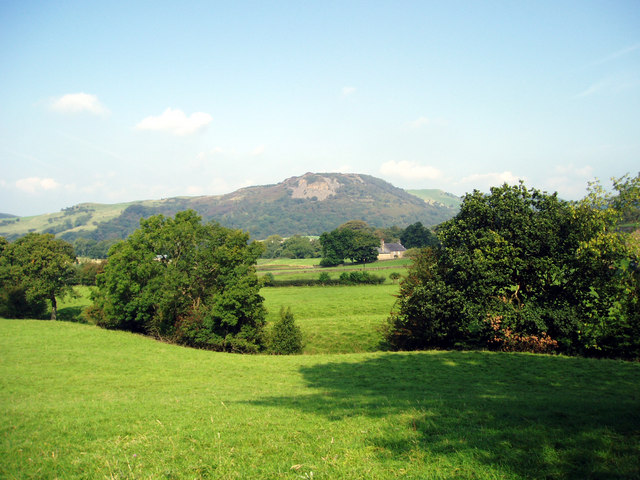 Tegg's Nose from the Gritstone Trail at Greenbarn