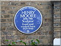 Photo of Henry Moore blue plaque