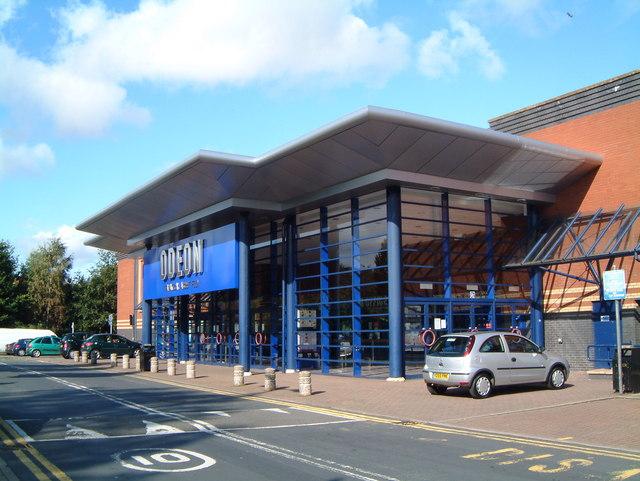 Main entrance to the Odeon ten screen Cinema  (2)
