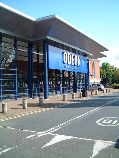 Main entrance to the Odeon ten screen Cinema  (6)