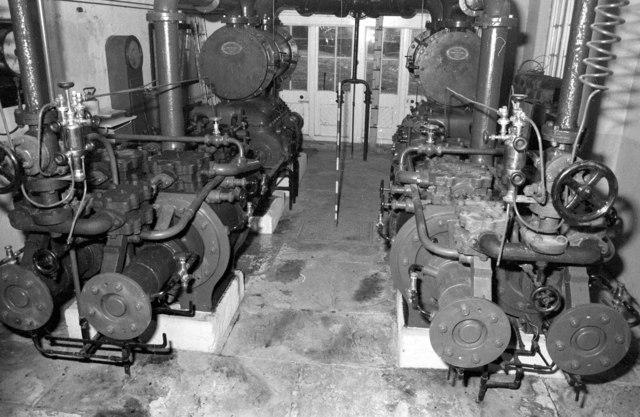 Steam pumping engines