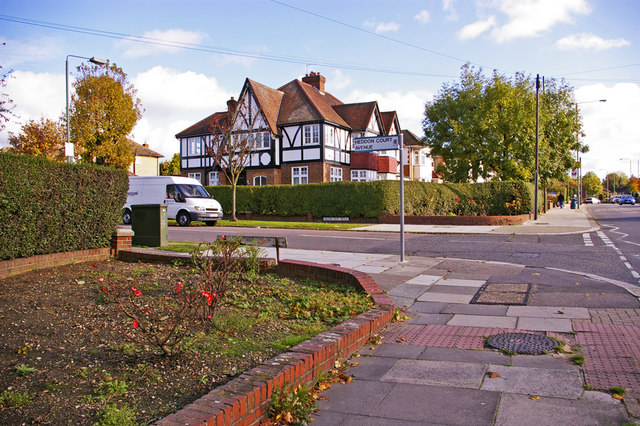Heddon Court Avenue, Cockfosters