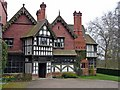 SO8698 : Wightwick Manor by Graham Taylor