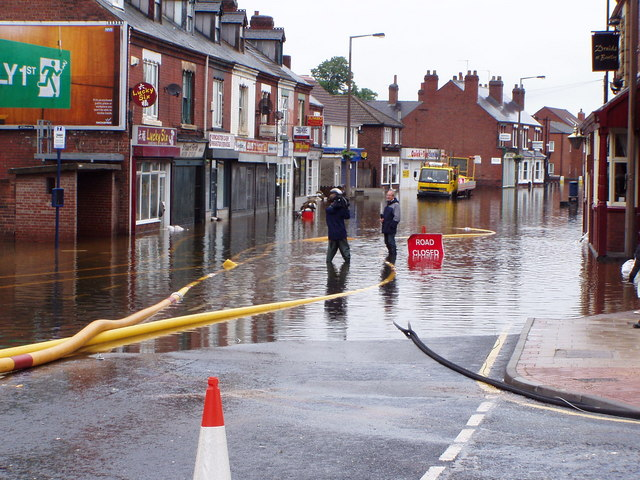 Bentley High Street During The 2007 Floods