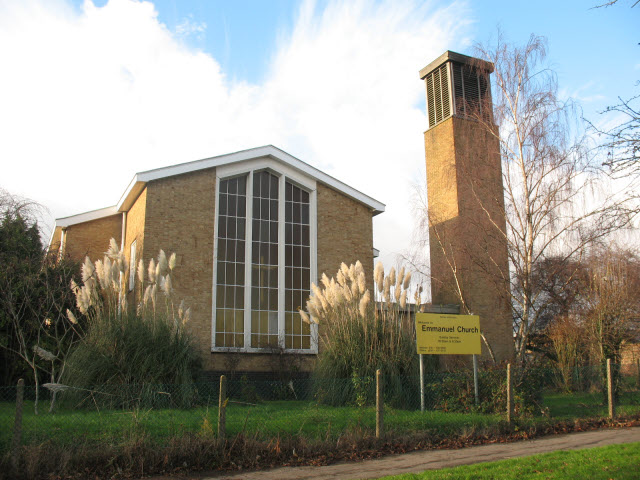 Emmanuel church, Morden - East end