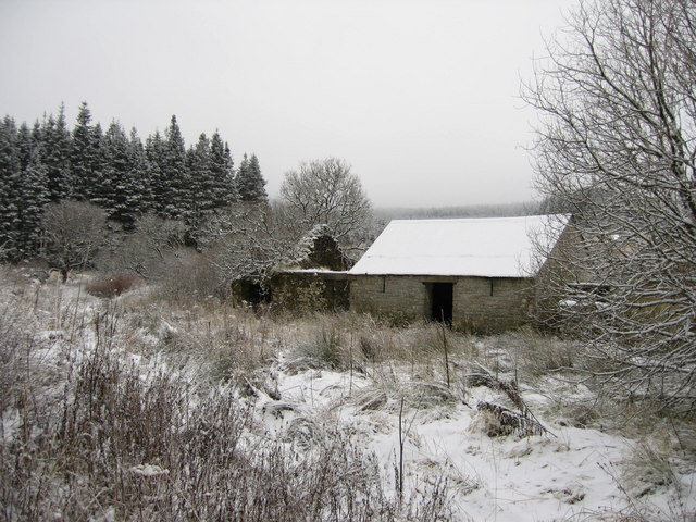 Old barn beside Blacklyne cottage