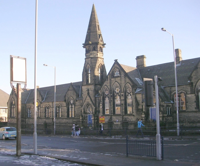 lilycroft primary school  2 0    geograph britain and