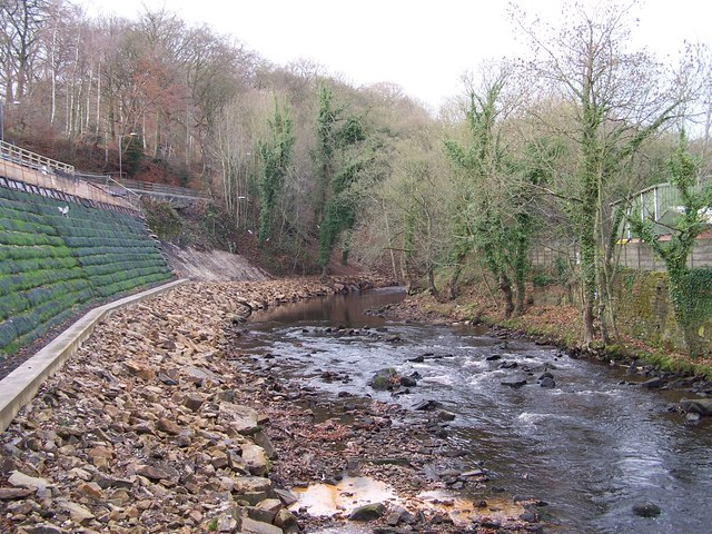 River Bank Repair : River bank repairs near middlewood terry robinson cc