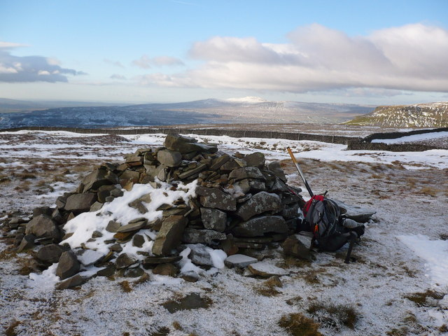 Pile of stones on Fountains Fell
