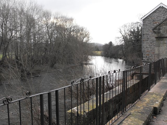 River Severn passes the Pump House