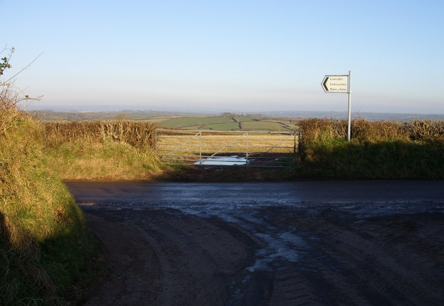 Gate on the road to Llanybri