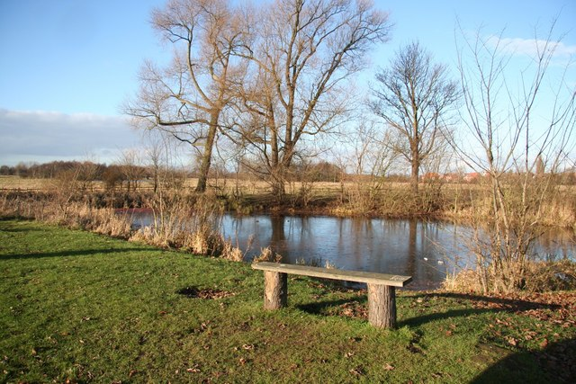Ornamental pond richard croft cc by sa 2 0 geograph for Ornamental pond