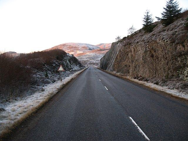 Road cutting, Gleann Udalain © Richard Webb :: Geograph ...