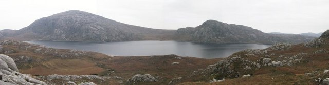 Loch Suaineabhal panorama