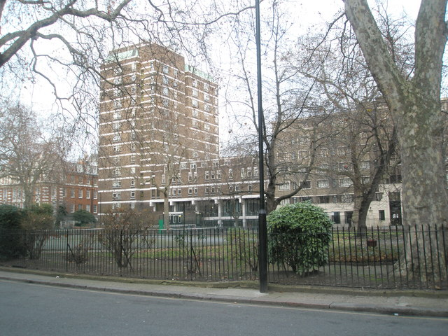 TQ3082 : Looking across Cartwright Gardens to Hughes-Parry Hall