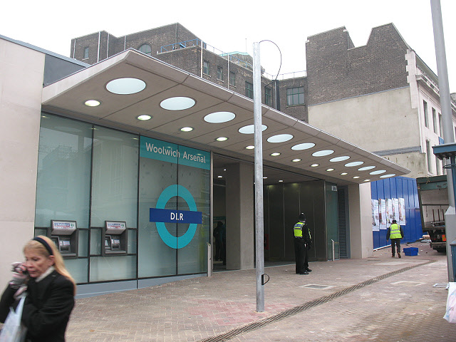 Opening day at Woolwich DLR station (1)