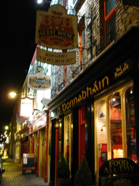 Pub in Kenmare by night