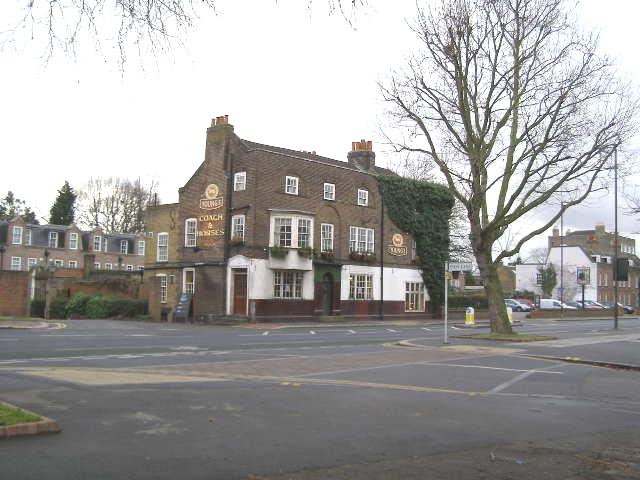 Coach & Horses pub, London Road, Isleworth