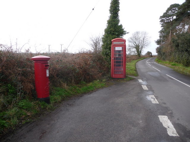 Ridge: postbox № BH20 177 and phone box