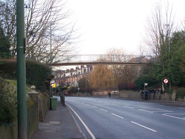 Footbridge over A229 Loose Road
