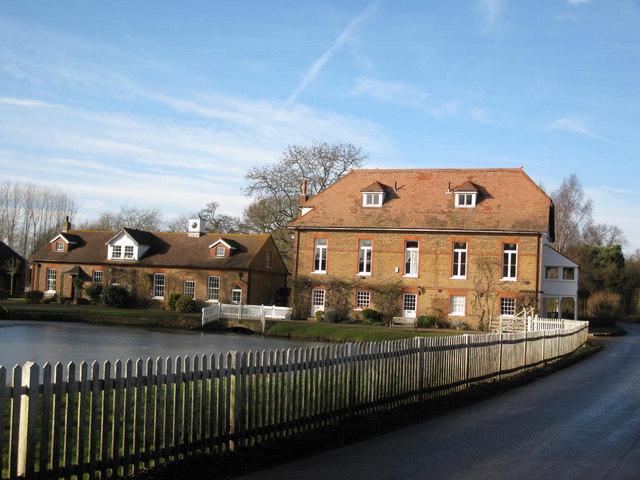 Cheveney Mill, Hunton