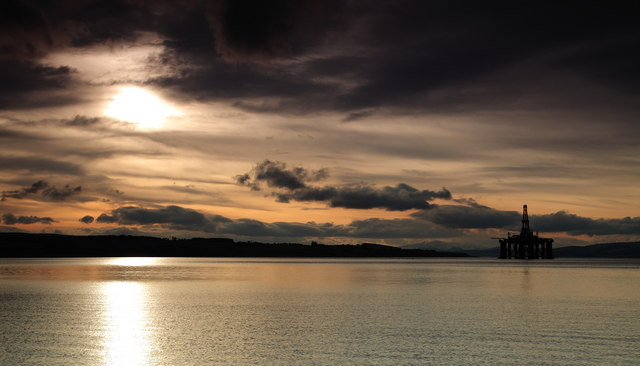 Cromarty Firth with oil rig (2)