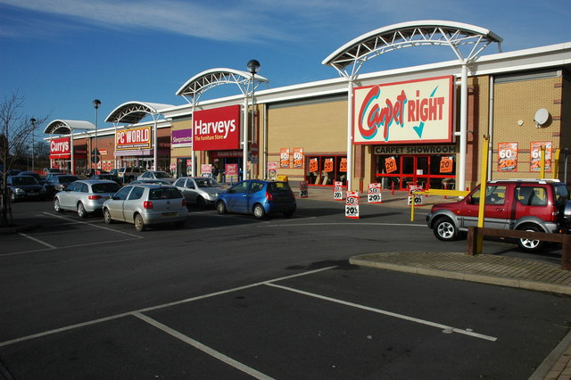Another Out Of Town Shopping Centre 169 Philip Halling Cc By Sa 2 0 Geograph Britain And Ireland