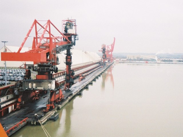 Ship unloaders in Royal Portbury Dock