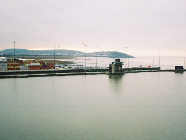 Royal Portbury Dock, entrance lock