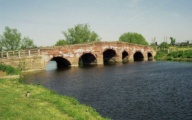 Eckington Bridge and the River Avon