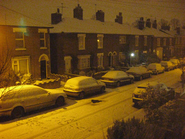 Night-time snow scene in Roman Road (2)