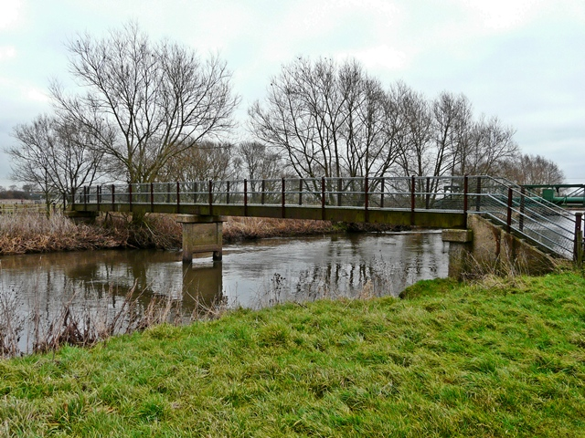 Footbridge over the Trent, near Nethertown