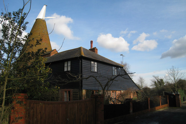 Brookwood oast water lane headcorn oast house for The headcorn minimalist house kent