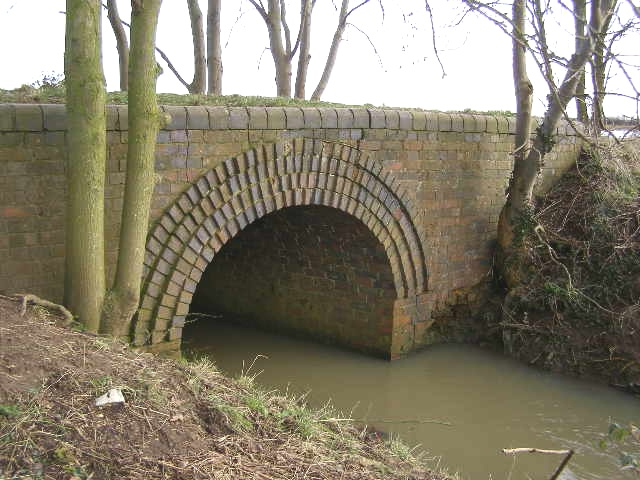 Culvert  bridge for former railway tracks