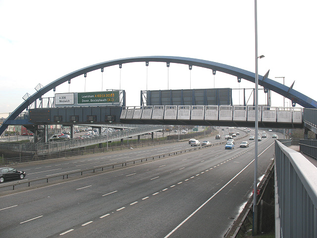 Footbridge / gantry over the A102, East Greenwich