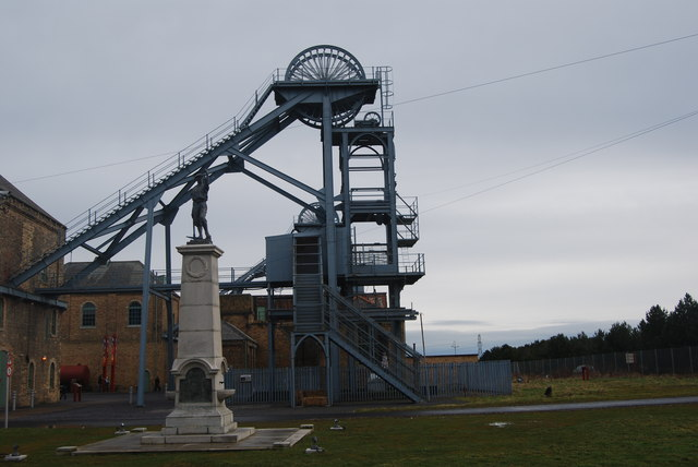 Memorial and pit head, Woodhorn