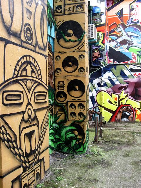 Jungle Boogie, Kensington Street