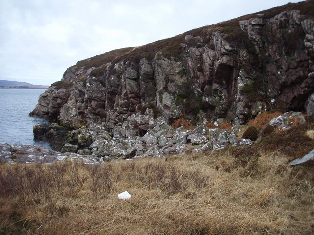 Small cliff on Rubha Thùrnaig