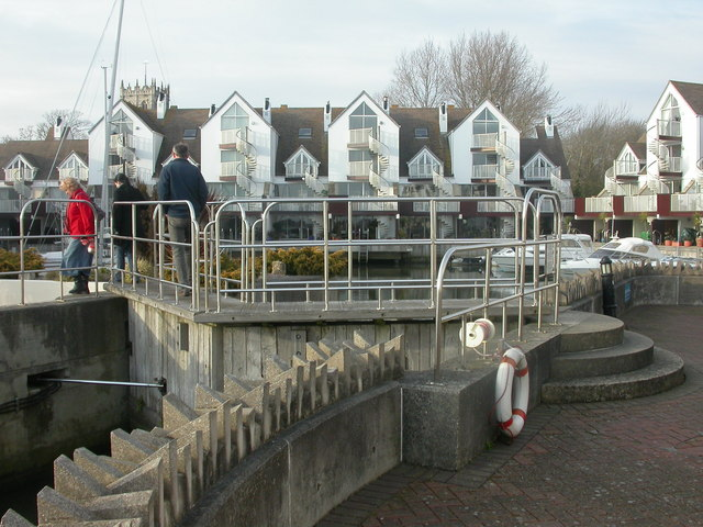 Christchurch, Priory Quay lock gate