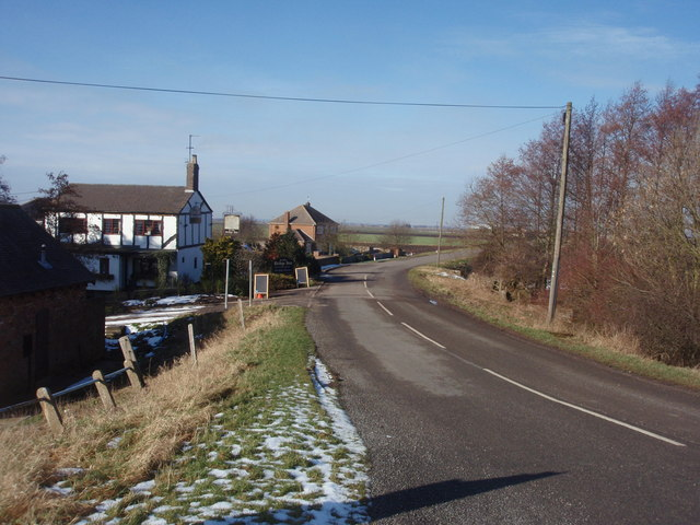 Common Drove and Ye Olde Bridge Inn