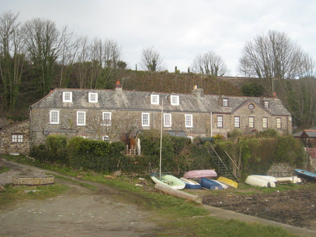 Cottages at Wearde Quay