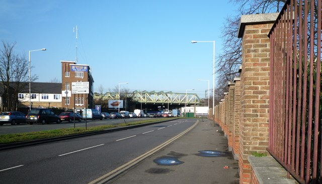 Windmill Lane looking towards the Iron Bridge