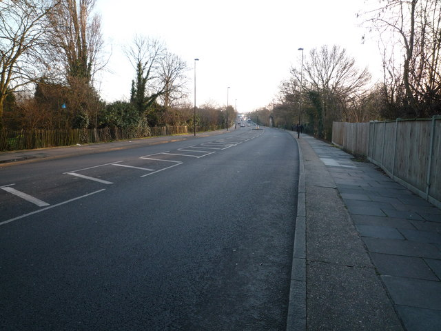 Greenford Road - looking south