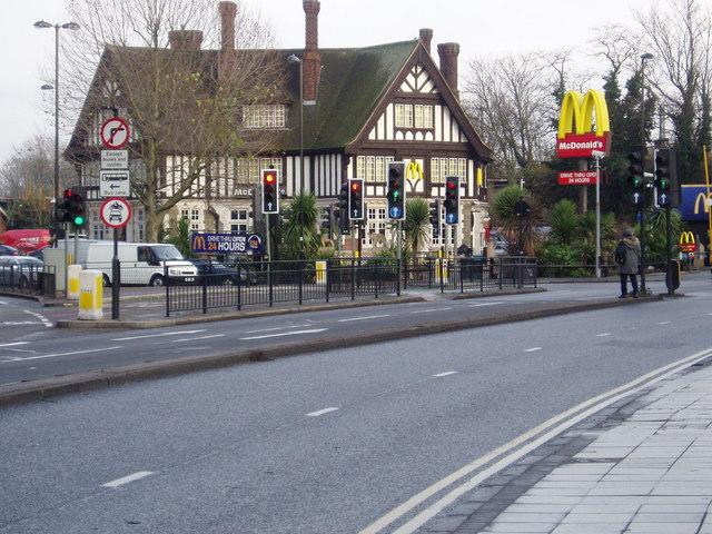 McDonald's, Iron Bridge, Southall