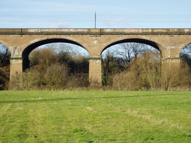 Central section of the Wharncliffe Viaduct - showing Lord Wharncliffe's coat of arms