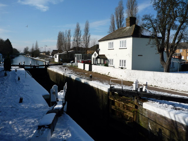Lock Keeper's cottage at Norwood Top Lock