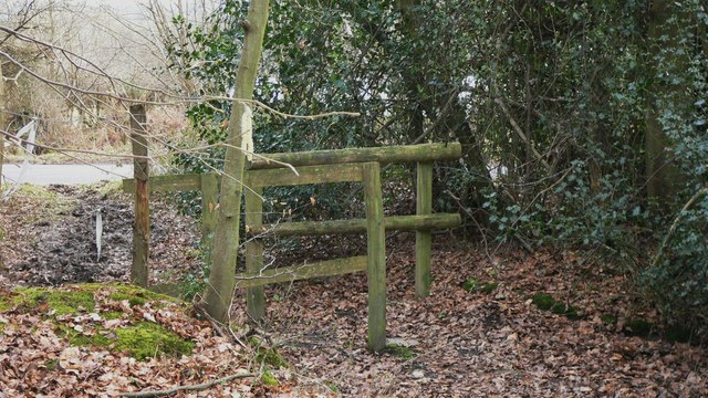 Footpath exit from Oakreeds Wood