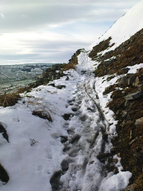 Bridleway down Fell End Hush